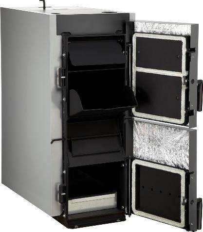 Твердотопливный котел BOSCH Solid 2000 H с открытой дверькой