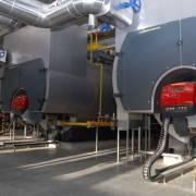 Горелки RS 400 / E BLU с мощностью 4 МВт и горелки RS 190 / M мощностью 1,9 МВт . Такие горелки были специально разработаны для использования в крупных коммерческих системах: таких как водогрейные котлы и промышленные парогенераторы от 4 до 8 т / ч. Ориентируясь на версию RS400 / E, эти модели оснащены электронным регулированием соотношения воздух-топливо, способным взаимодействовать с удаленной системой.