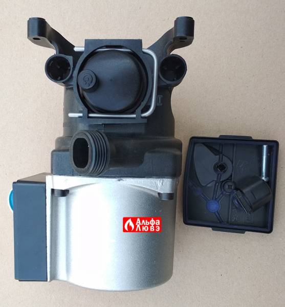 Циркуляционный насос Grundfos UPS15-50 A0-AC-BC P-N 59945526 Beretta R10027571 с открученной крышечкой (вид снизу)