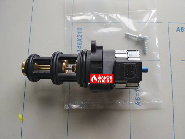 Трехходовой клапан Viessmann 7824699 для газового котла Viessman VH 1B (датчик подключения)