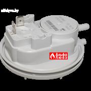 Прессостат (реле давления дыма) Viessmann 7817494 на котел Viessmann Vitopend 100 WH1B-WH1D (вид сбоку)